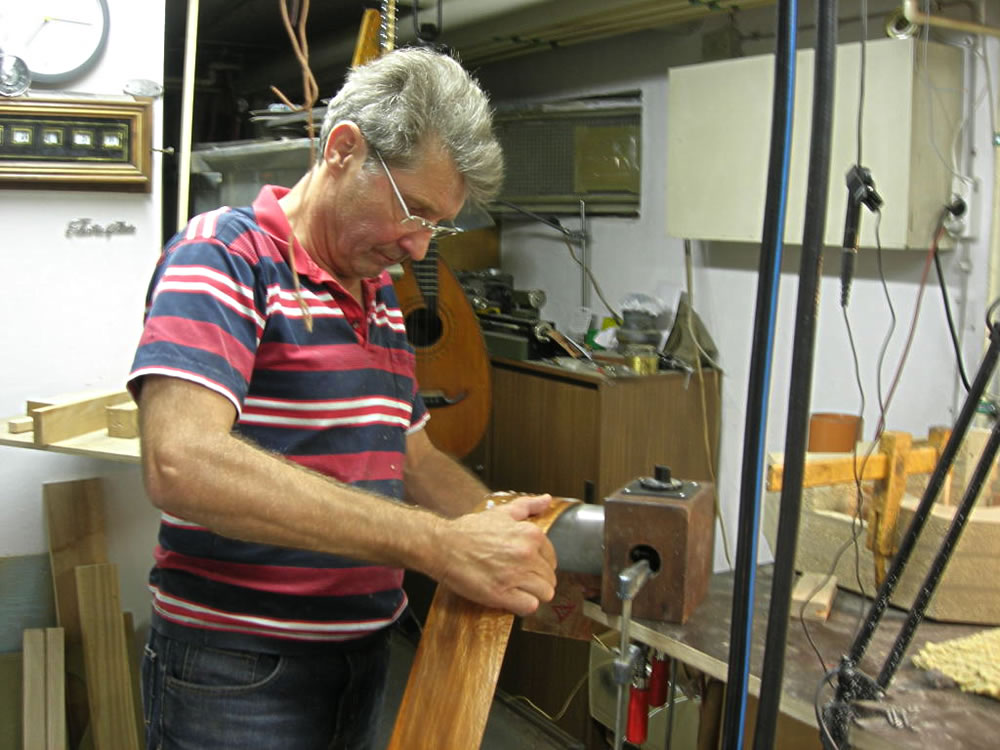 Steam bending the first side of the Blondie 12 string guitar model