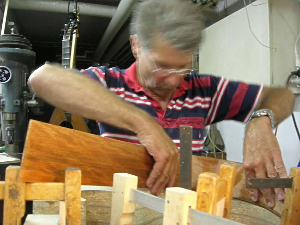 Steam bending the sides for the Blondie 12 string guitar model