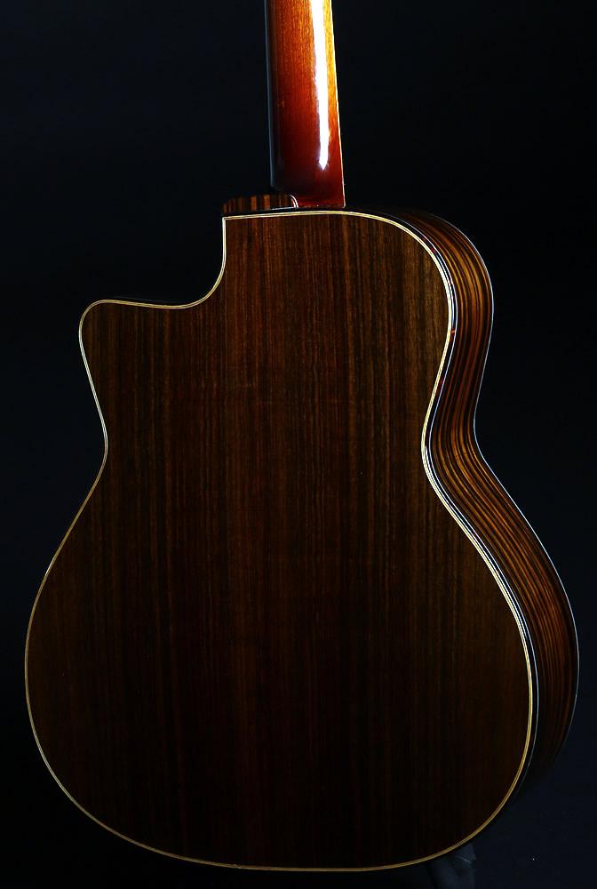 Django akustische Modell Karosserie Rückansicht
