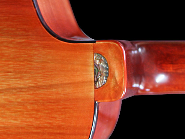 Uku-meine model neck rear joint inlay